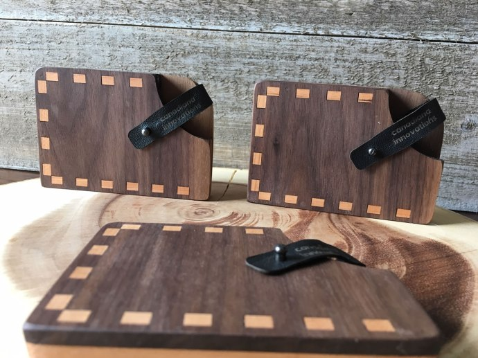Deluxe wallets made of walnut and cherry